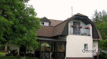 Дом 5+1 в живописном районе на окраине г. Бероун