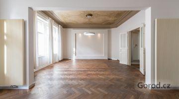 Квартира 3+1/2Б,117m², Прага 1